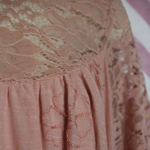 King's Road Tops - King's Road Pink Floral Lace Tunic Size S NWT